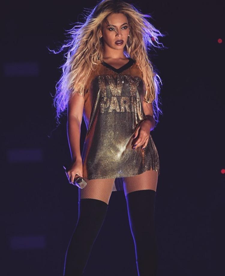 24K Gold metal mesh T-shirt with crystal Ivy Park detail <br>Formation World Tour 2016 <br>Stylist Zerina Akers