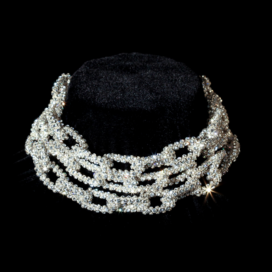 Crystal mesh chain necklace