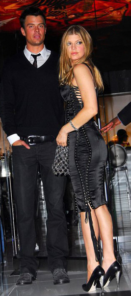 Sterling Silver mesh Hobo Bag<br>Fergie 2009<br>Michael Schmidt for Chrome Hearts